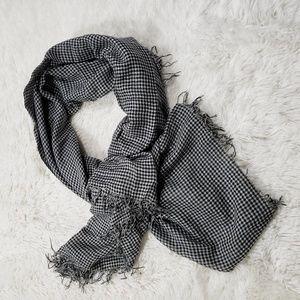 Chan Luu Fringed check scarf
